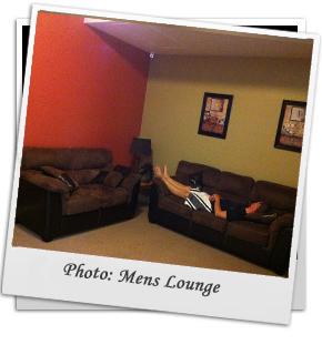 Pol-Mens-Lounge-Rm
